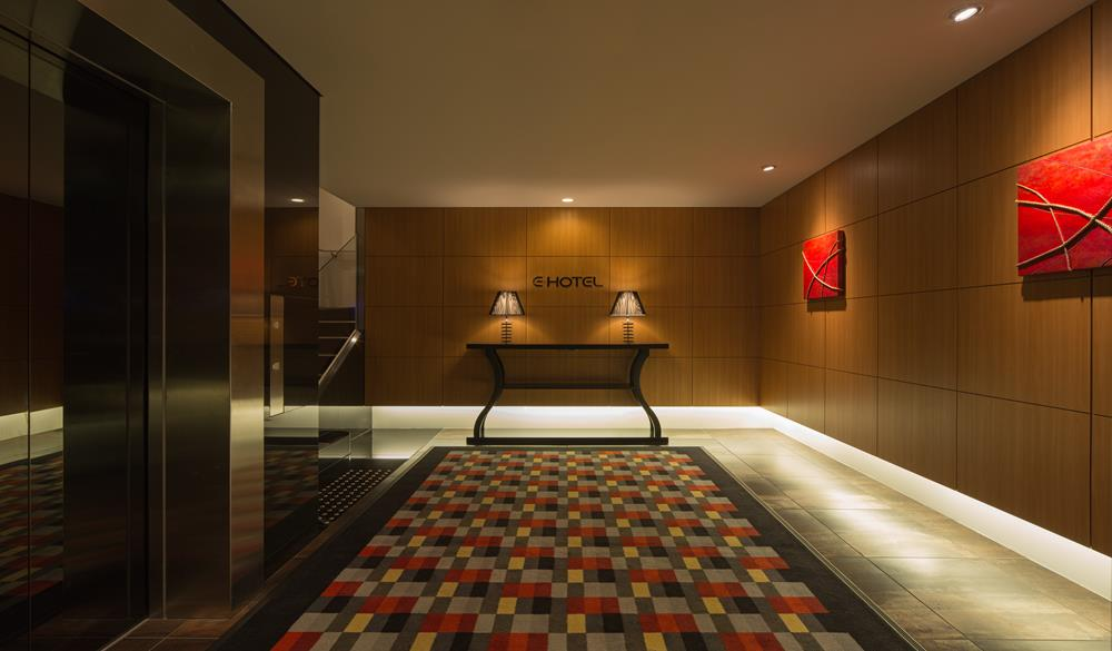 東新宿E飯店