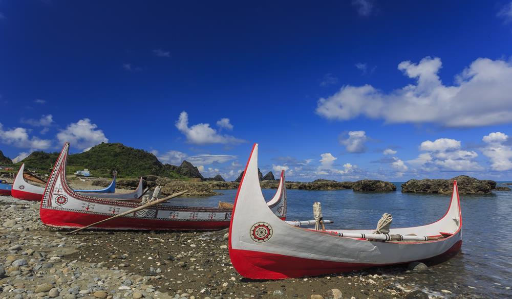 蘭嶼達悟族的拼板舟及飛魚