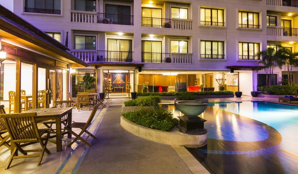 拉薩爾溫泉套房酒店
