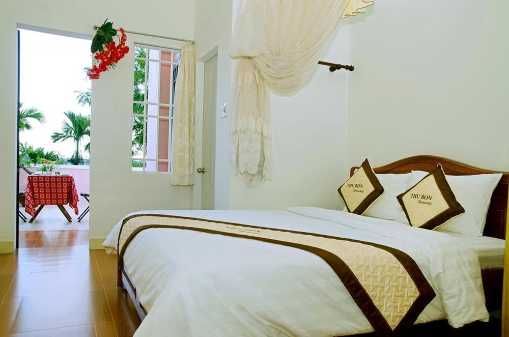 秋盆河濱家庭旅館