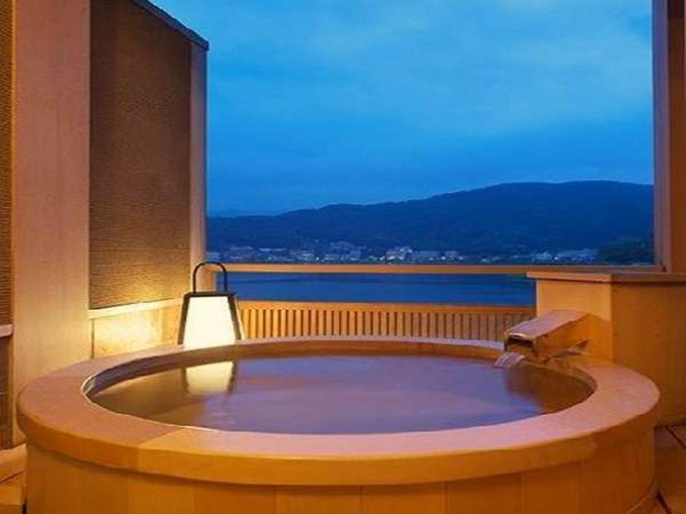 富士山-河口湖-住宿-花之庭-客房露天浴池「檜」