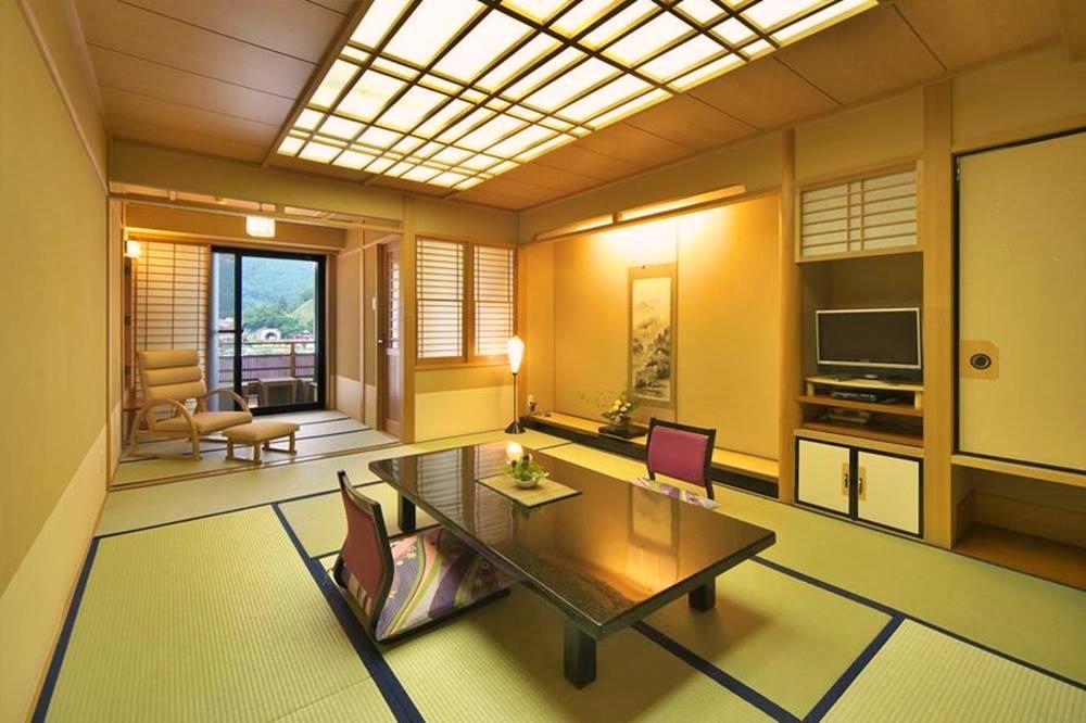 富士山-河口湖-住宿-花之庭-日式客房