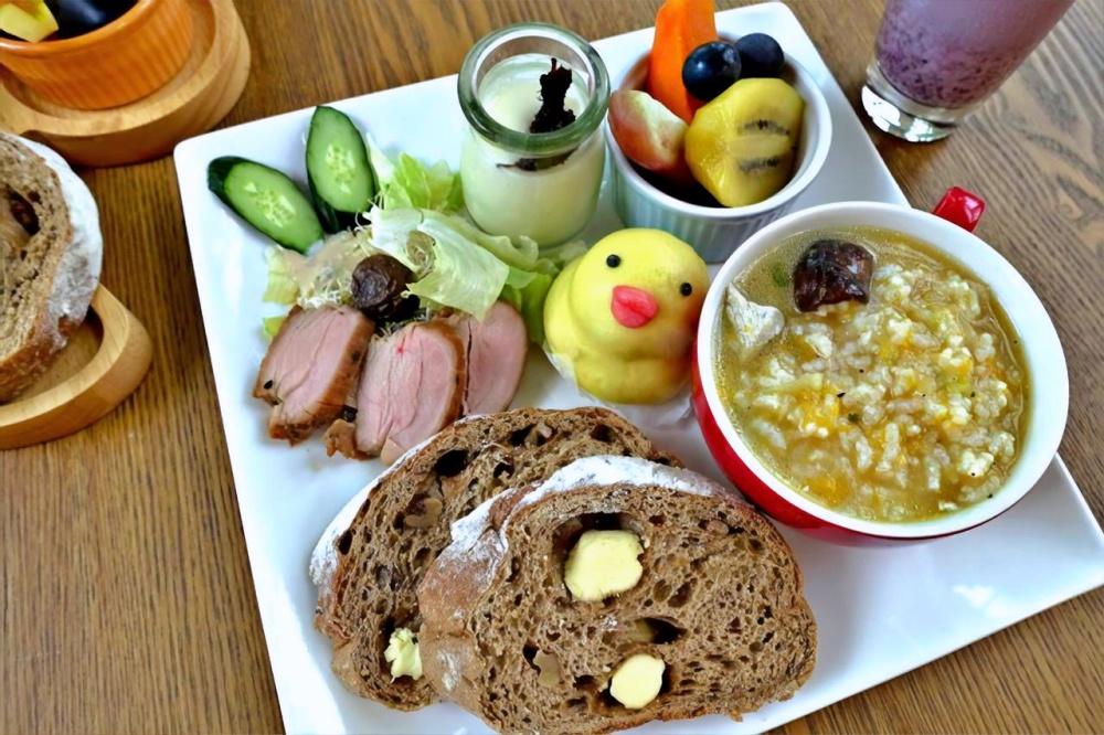 花蓮-瑞穗-溫泉-依比鴨鴨水岸會館-早餐