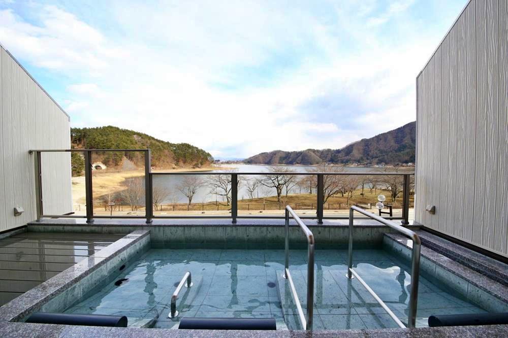 富士山-西湖-住宿-足和田-露天浴池2