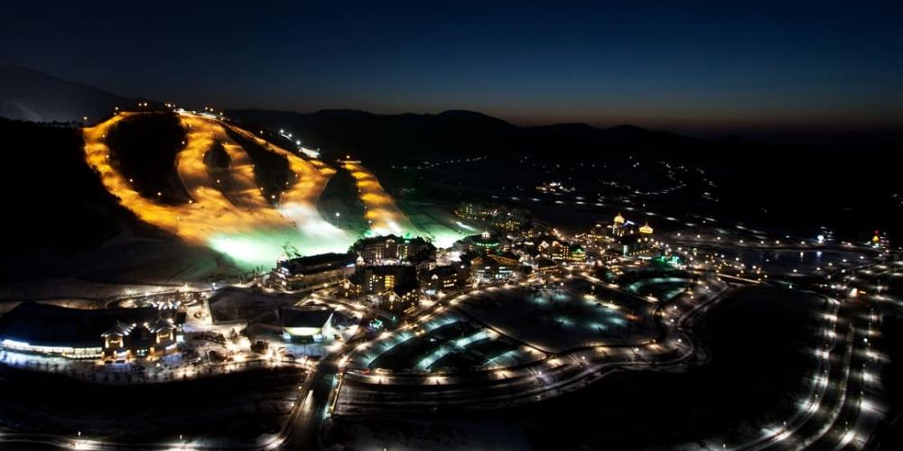 韓國-阿爾卑西亞滑雪度假村-滑雪道-夜景