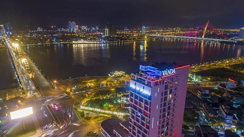 峴港-住宿-推薦-凡達酒店-夜景