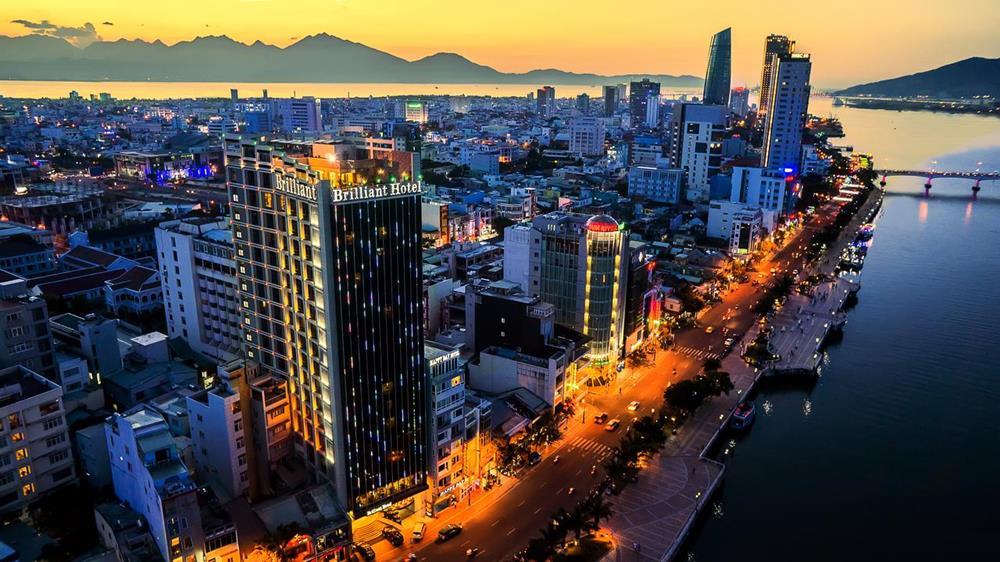 峴港-住宿-推薦-輝煌酒店-夜景