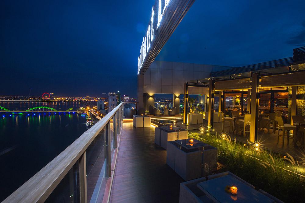 峴港-住宿-推薦-輝煌酒店-露天酒吧
