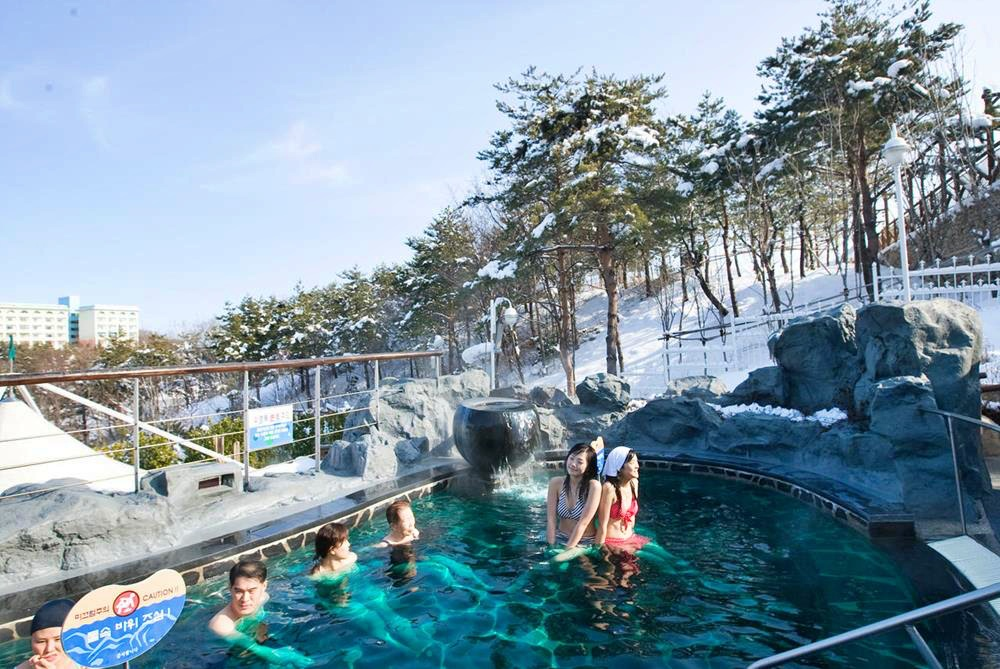 韓國-滑雪-度假村-住宿-雪嶽山索拉諾韓華度假村-露天溫泉
