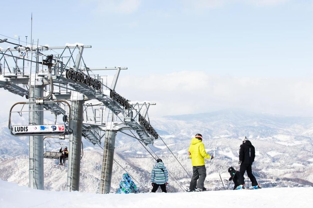 韓國-滑雪-度假村-住宿-龍之谷龍平度假村飯店-滑雪纜車