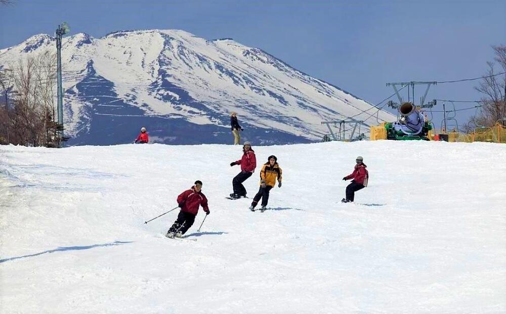 富士山-滑雪-sonwtown-yeti