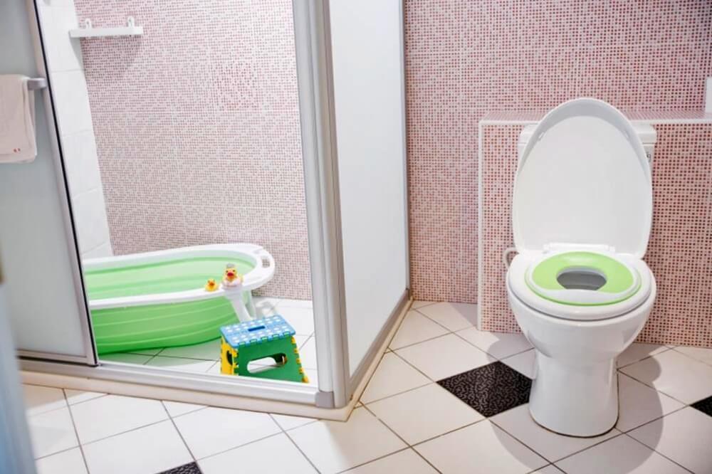台北親子住宿-儷客旅店西門町館-兒童坐墊澡盆