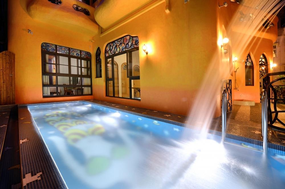 小琉球-星月旅店-美人魚戲水泳池1