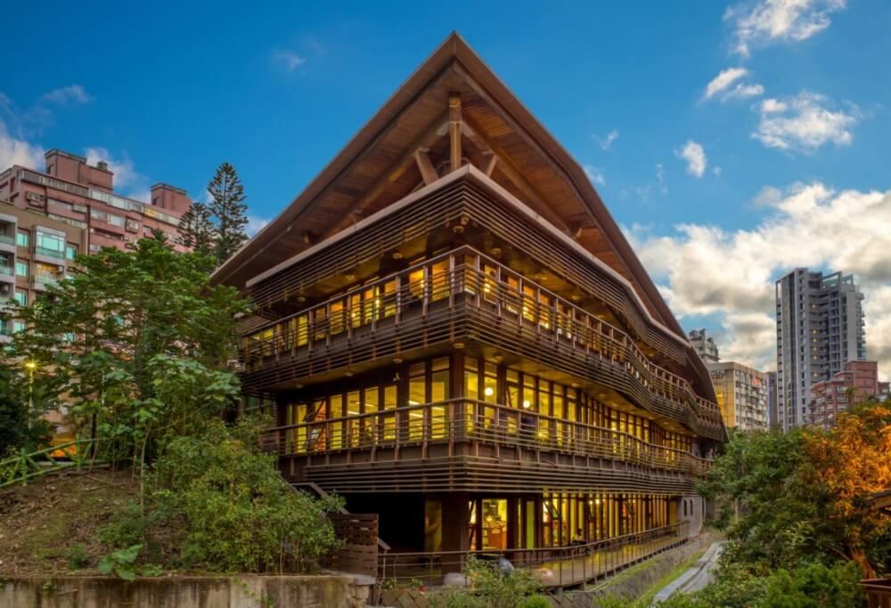 台北一日遊-北投圖書館
