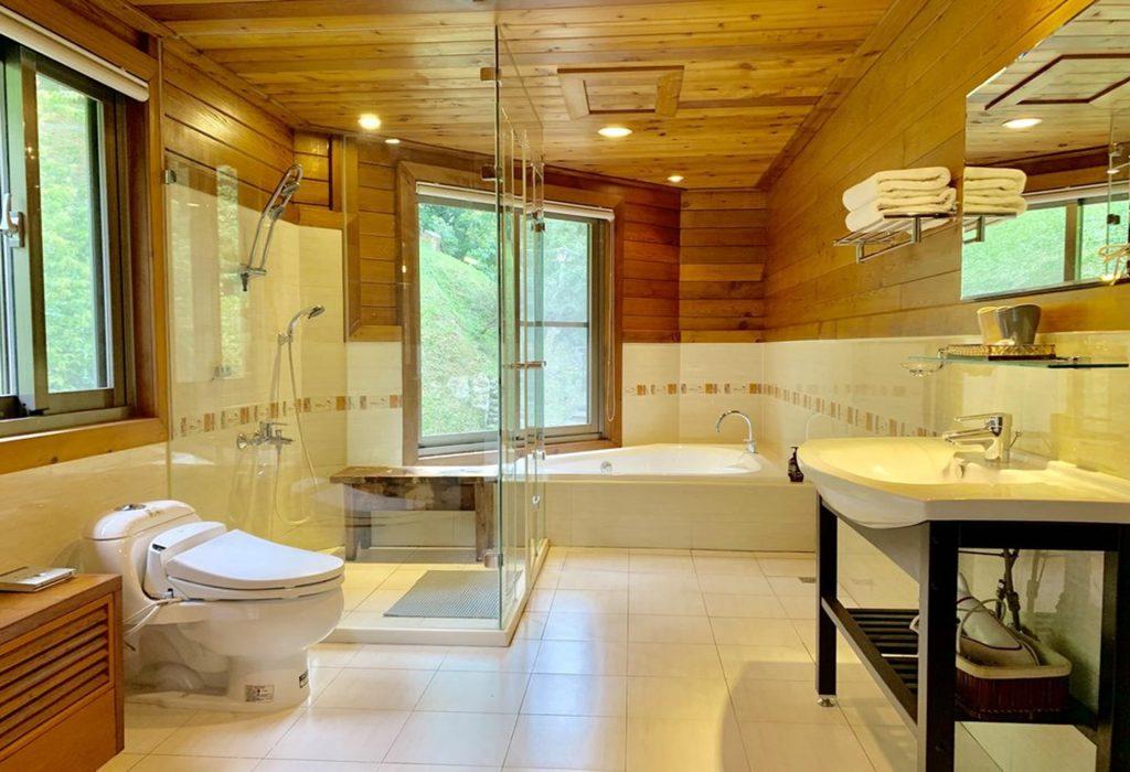 新竹民宿-塵外會館-203塵外套房-浴室