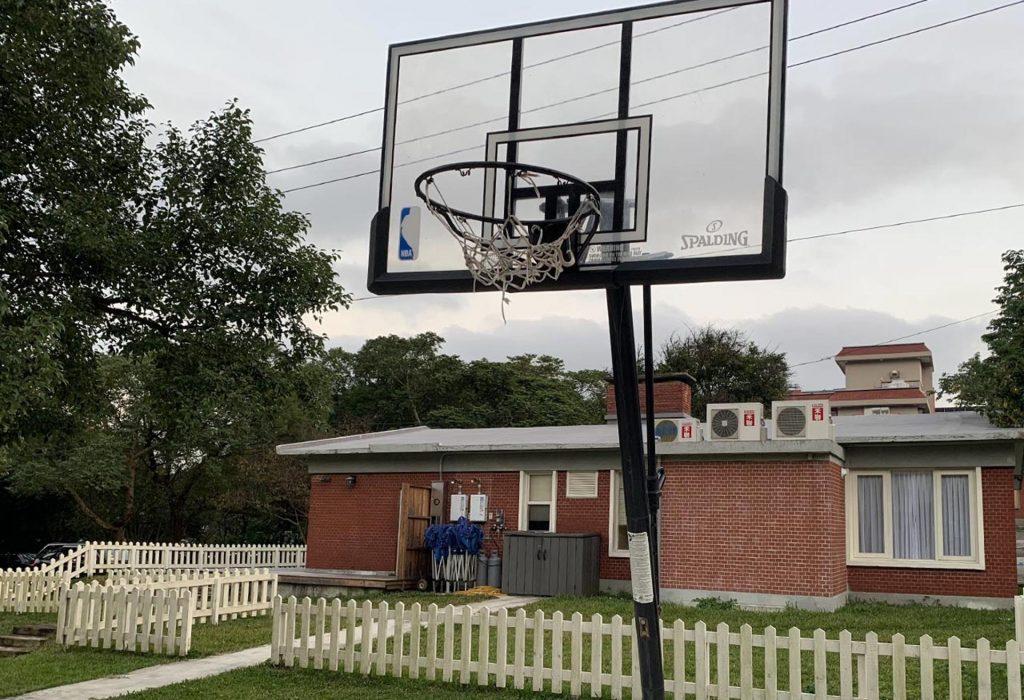 陽明山親子住宿-陽明山美國渡假村-籃球場