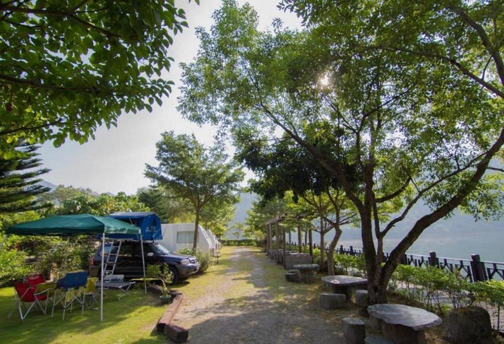在水一方湖畔小屋