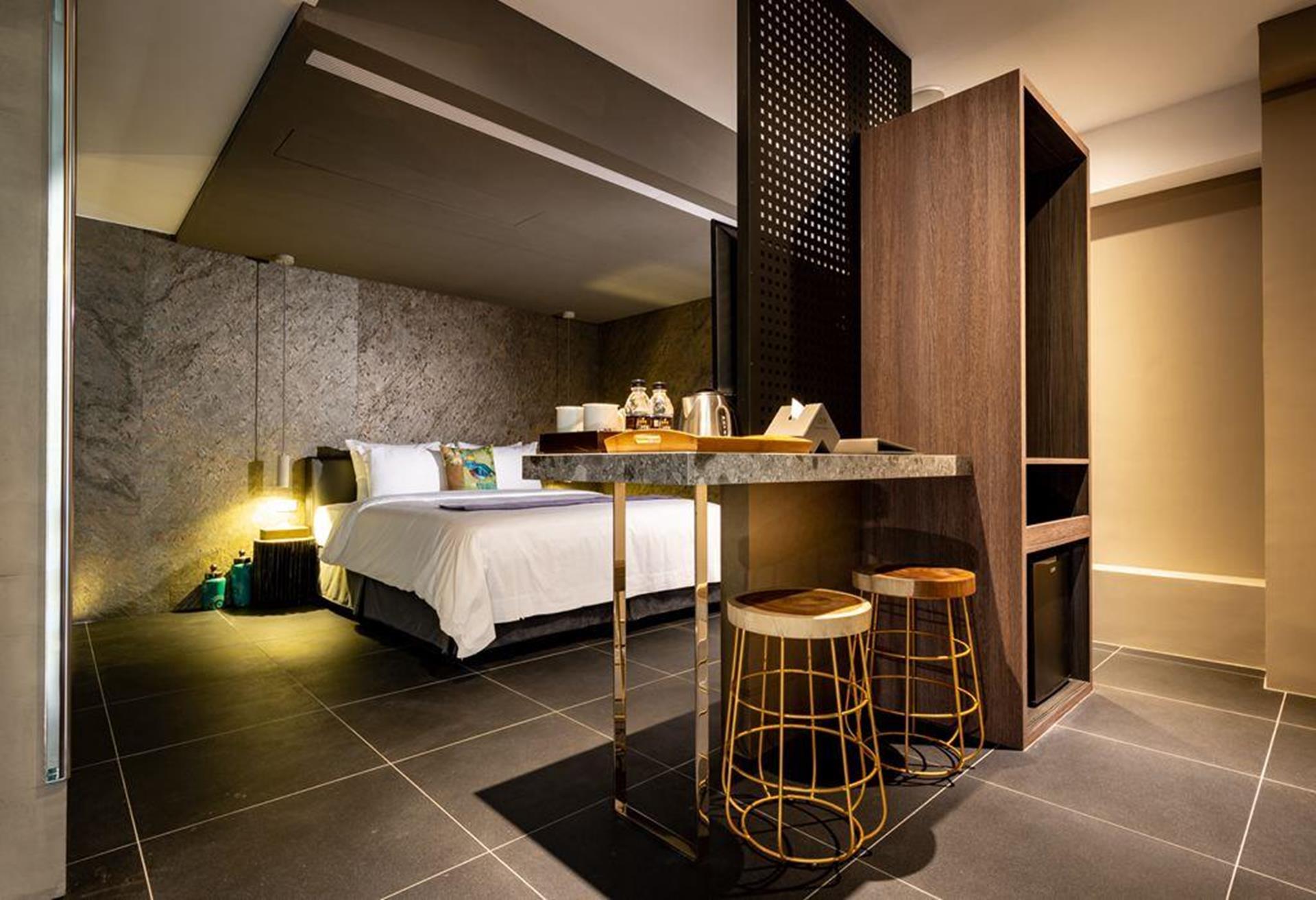 台南汽車旅館推薦 - 硯月精品汽車旅館的月夜總統套房