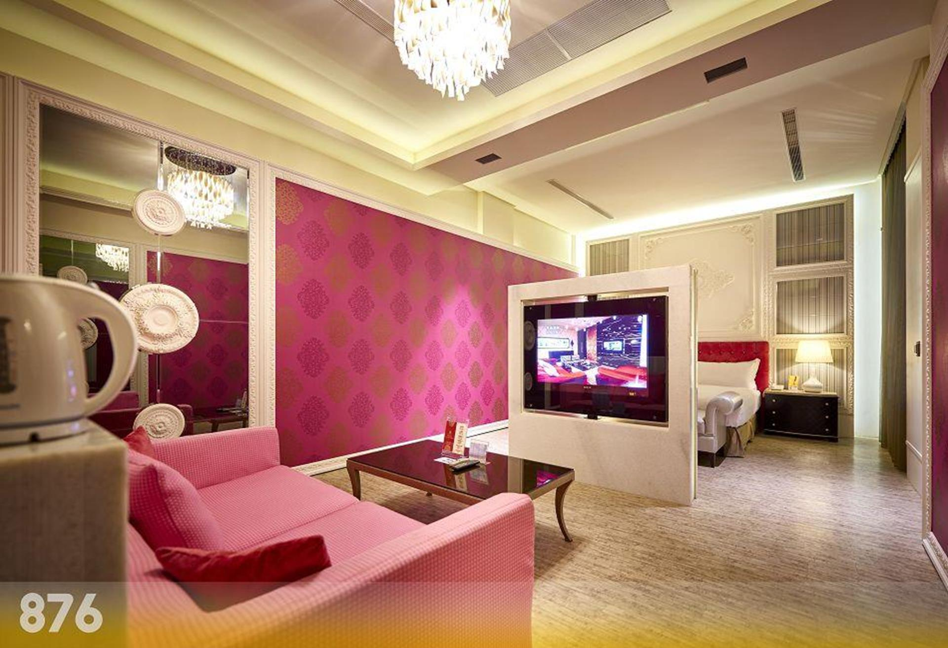 台南汽車旅館推薦 - 硯月精品汽車旅館的晶鑽套房