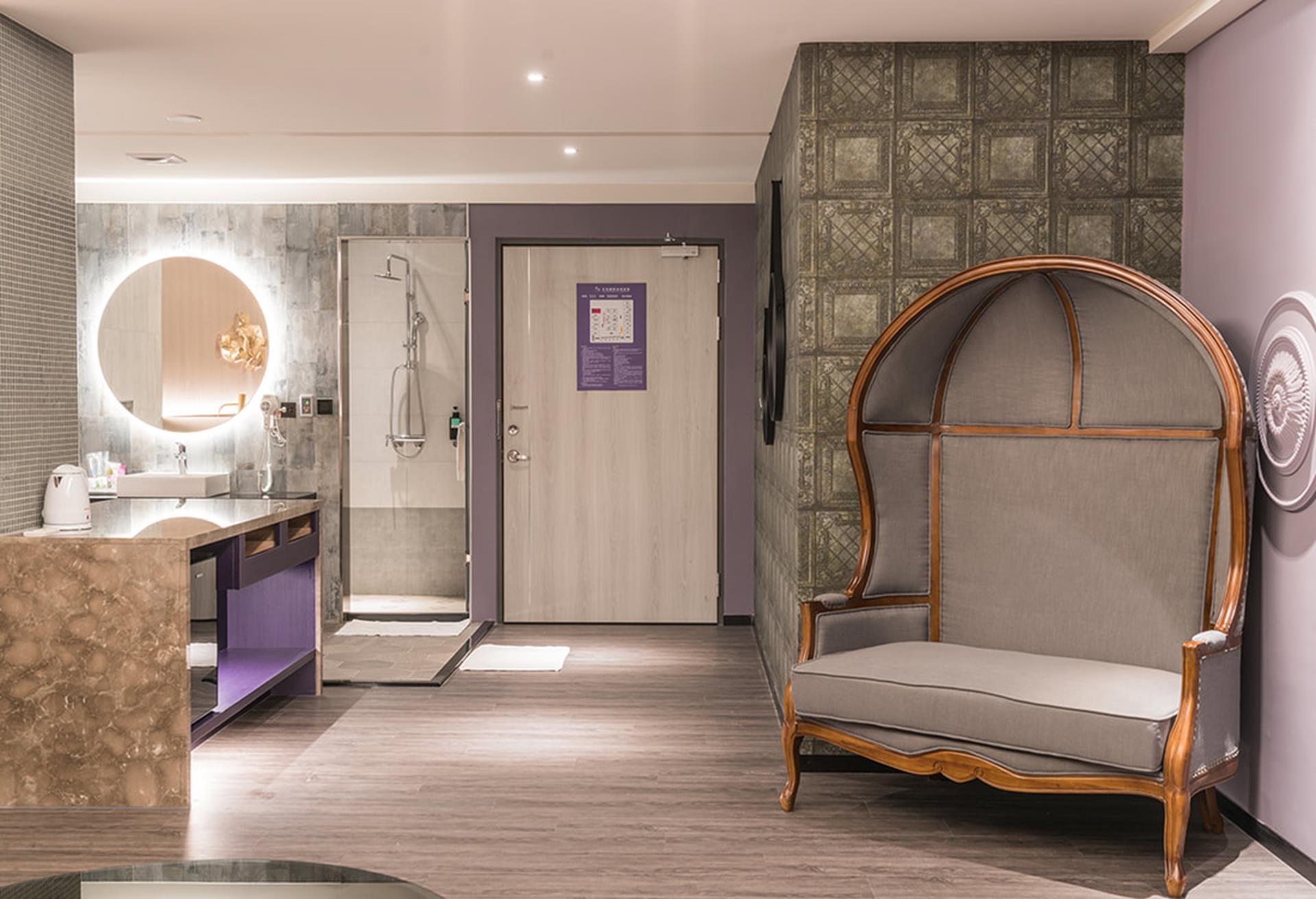 台南汽車旅館推薦 - 沐雲頂國際商旅旅館有適合多人開趴共度情人節的VIP房