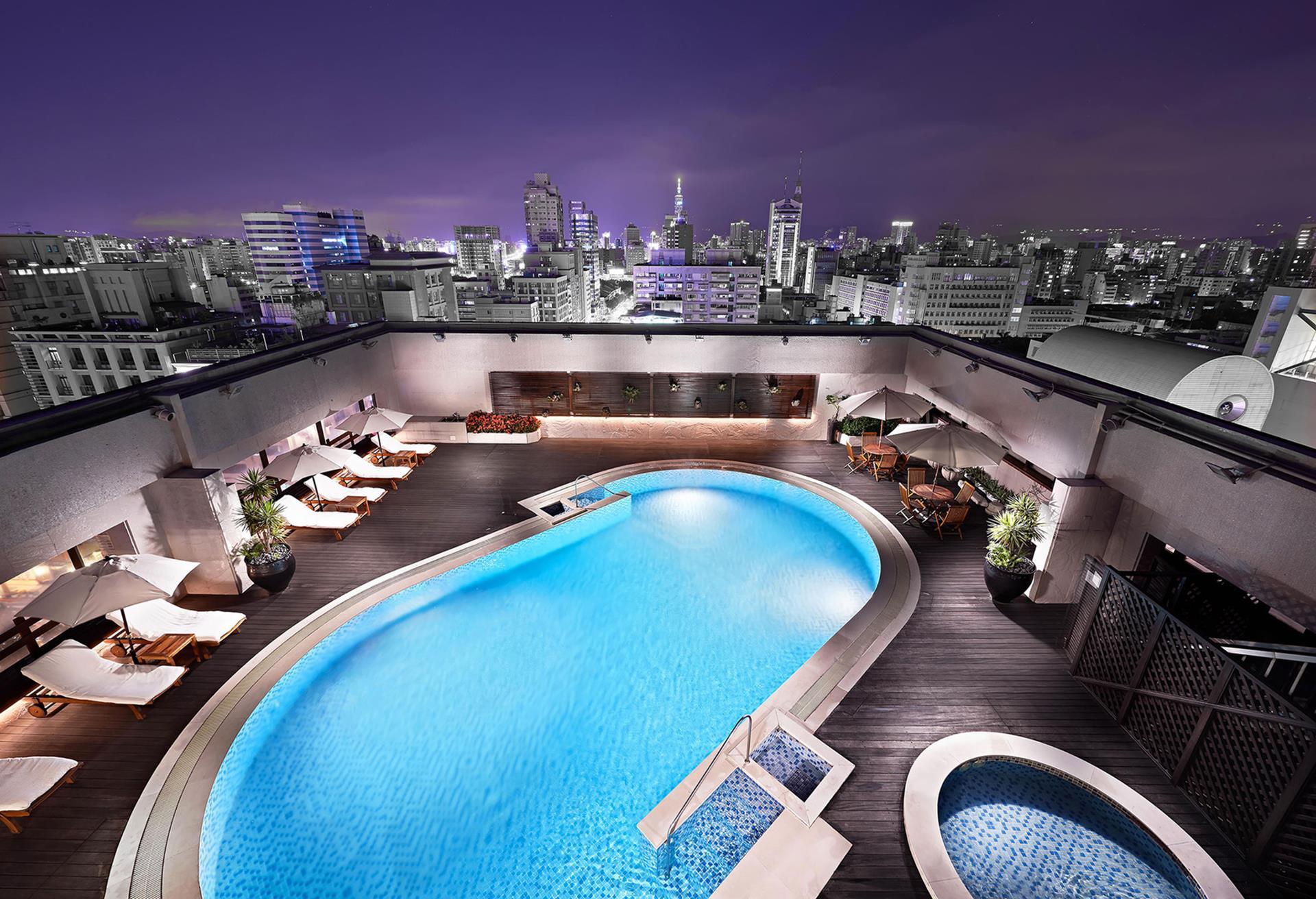 台北親子飯店推薦 - 台北喜來登大飯店有大人能短暫放空的喜來登會館露天泳池